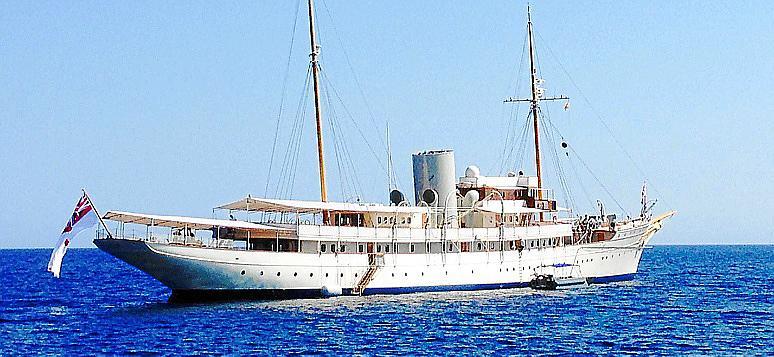 Barco, disfruta de la orilla del mar