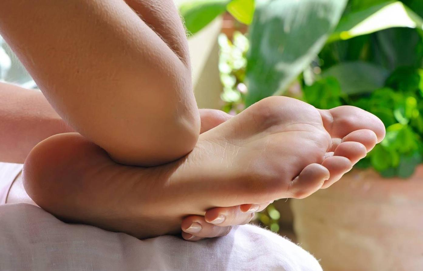 hacerse un masaje en los pies